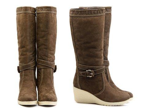 c95fe7725 أفضل مادة للأحذية الجلدية هي تيجيكا و لحم الضأن ، هذه مواد حشو تسمح للبشرة  بالتنفس والدفء في الأيام الأكثر برودة.