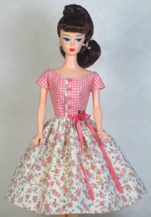 e2f16419df6 Освен това, за да шият рокля за кукла, ще бъде много полезен майсторски  клас с описание стъпка по стъпка.